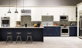 Signature Kitchen Suite's Modern Pavilion Shines at KBIS