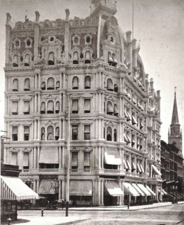 The luxurious Gilsey House was the first hotel in New York to have telephones and featured walnut and rosewood details, marble fireplaces, and bronze chandeliers. The AIA guide by Norval White has described it as having