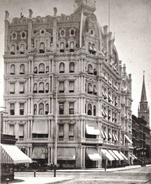 """The luxurious Gilsey House was the first hotel in New York to have telephones and featured walnut and rosewood details, marble fireplaces, and bronze chandeliers. The AIA guide by Norval White has described it as having """"a vigor that only the waning years of the 19th century could muster."""""""