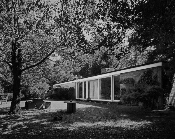 A 1976 photo by Robert Damora shows the Booth House in its forested setting. Robert, who developed techniques to capture a sense of space and volume, was once hailed by Walter Gropius as Photo 2 of The Booth House modern home