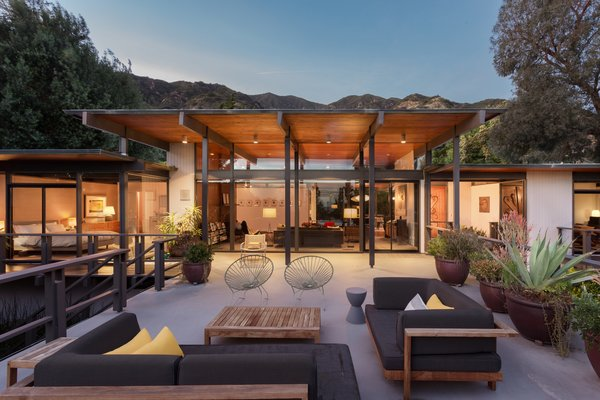 Photo  of Iconic Post & Beam Ranch modern home