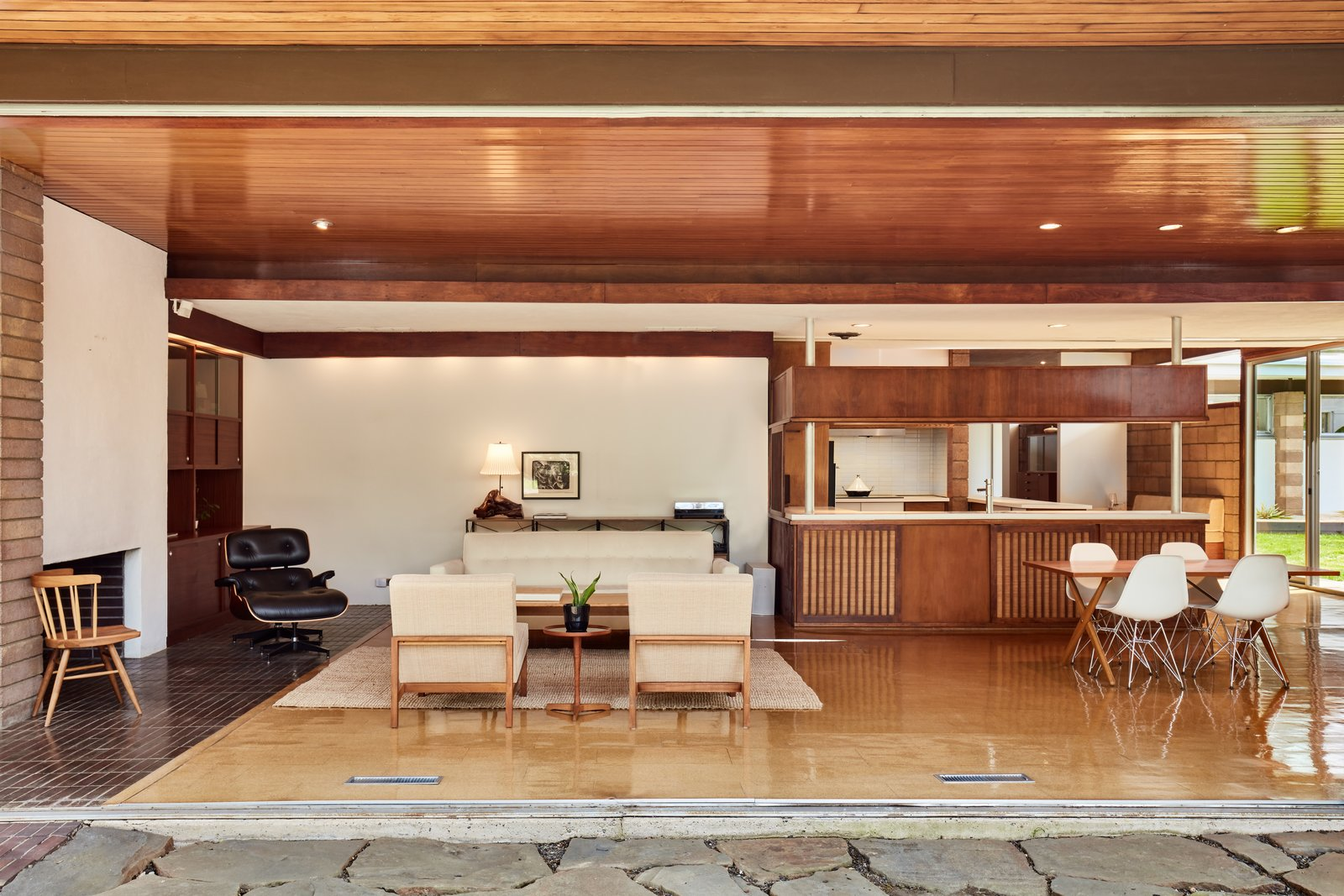 Photo 5 of 13 in The Stunningly Restored Hassrick Residence by Richard Neutra Hits the Market at $2.2M