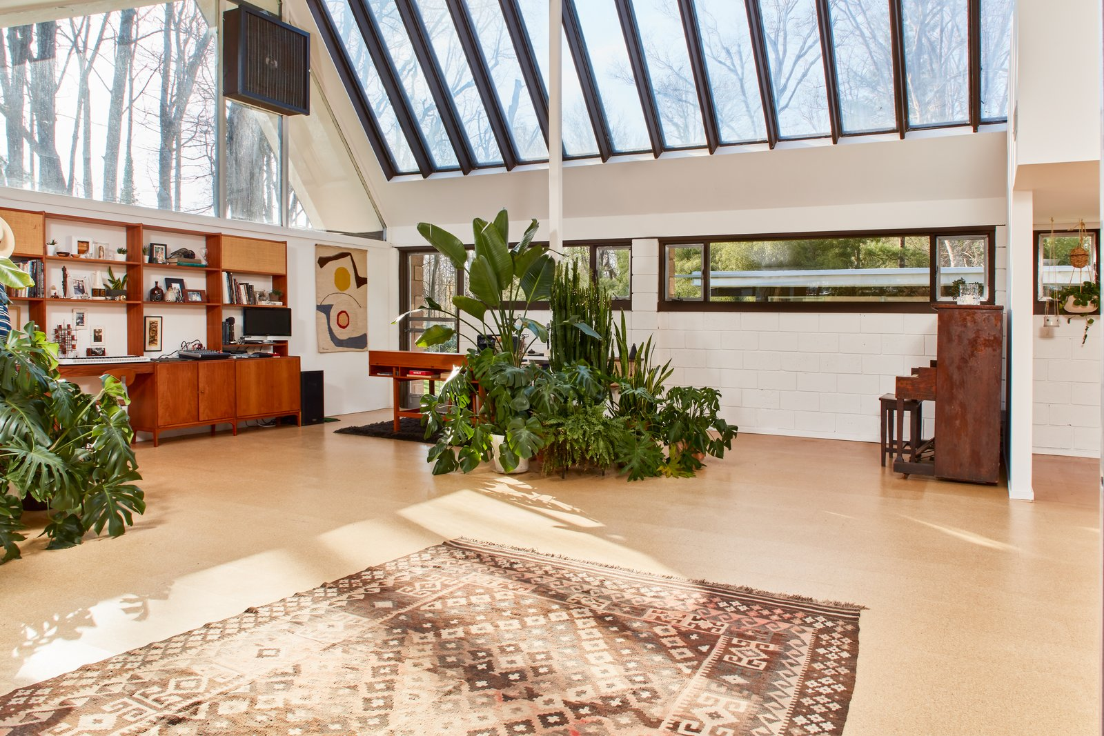 The Stunningly Restored Hassrick Residence by Richard Neutra Hits the Market at $2.2M - Photo 3 of 13