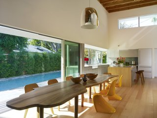 Tobey Maguire Snatches Up Googleplex Architect Clive Wilkinson's Los Angeles Home For $3.4M - Photo 3 of 9 -