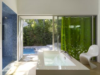 Tobey Maguire Snatches Up Googleplex Architect Clive Wilkinson's Los Angeles Home For $3.4M - Photo 6 of 9 -