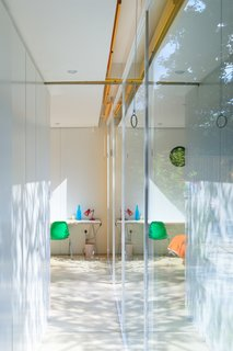 Fully Renovated, Wimbledon House by Richard Rogers Hosts New Architecture Fellows in London - Photo 4 of 13 -