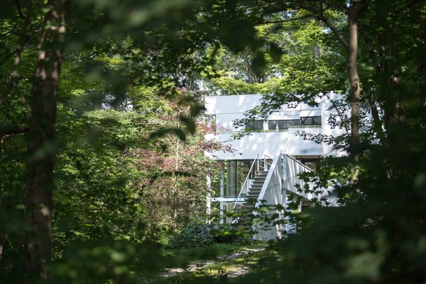 Modern home with outdoor. Photo 12 of Hanselmann House