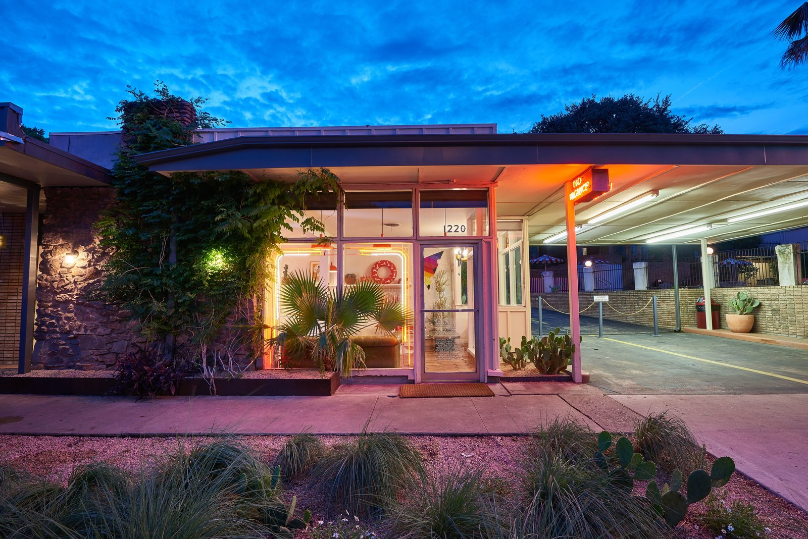 Photo 13 of 13 in The Rejuvenated Austin Motel Welcomes Guests With Upbeat, Midcentury-Modern Vibes