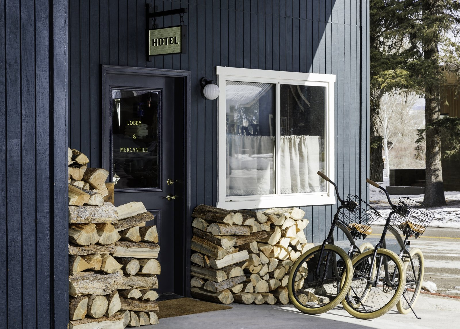 Classic West Meets Contemporary Cool at the Anvil Hotel in Jackson, Wyoming - Photo 7 of 12