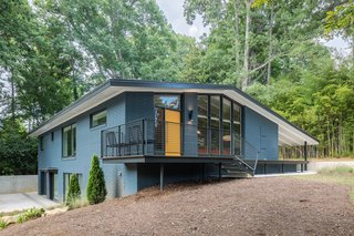 Elegantly Renovated, a Midcentury Home in Raleigh Asks $975K - Photo 2 of 13 -