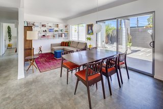 A Donald Wexler-Designed Midcentury Home in Palm Springs Asks $599K - Photo 3 of 10 -
