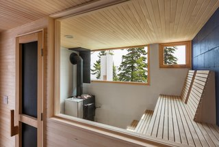 A Lake Superior Escape With a Whitewashed Masonry Sauna - Photo 4 of 12 -