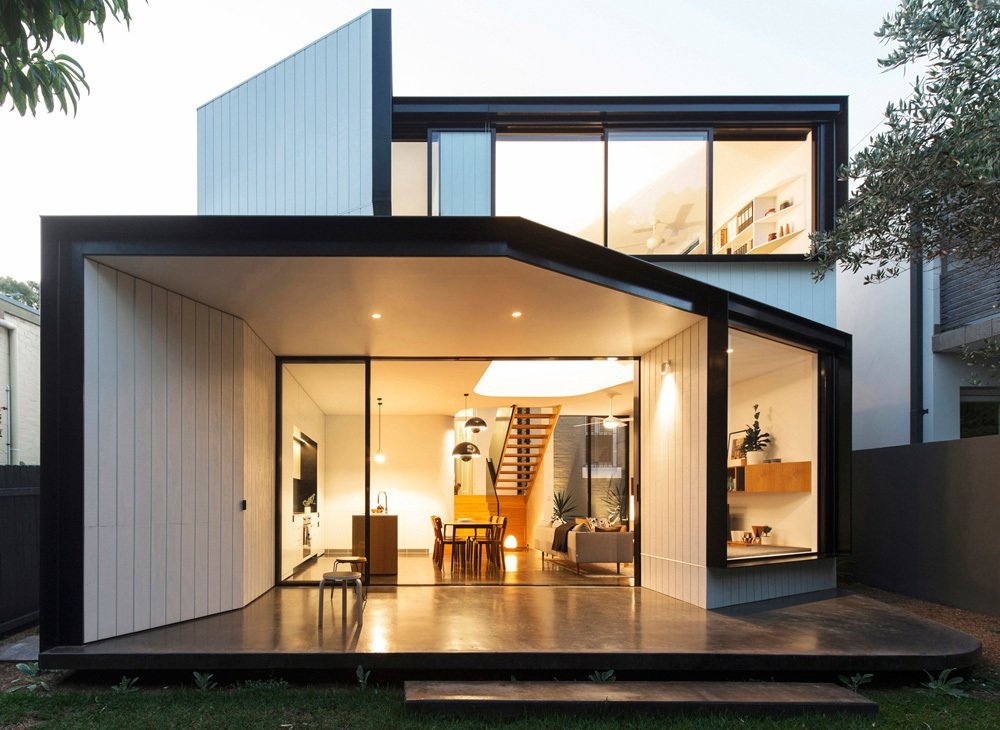 Photo 1 of 22 in Unfurled House By Christopher Polly Architect