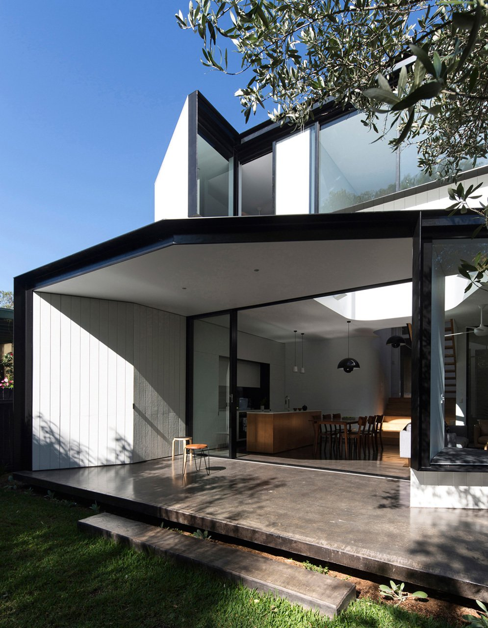 Photo 5 of 22 in Unfurled House By Christopher Polly Architect