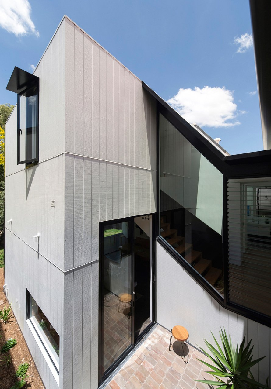 Photo 4 of 22 in Unfurled House By Christopher Polly Architect
