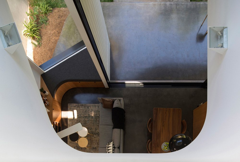 Photo 17 of 22 in Unfurled House By Christopher Polly Architect