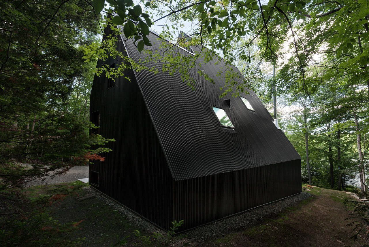 Photo 7 of 23 in FAHouse: A Double Triangular House in the Forest