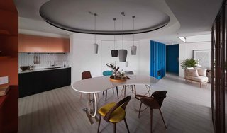 A Colorful Apartment Inspired by Paper Patterns Used in Fashion - Photo 4 of 19 -