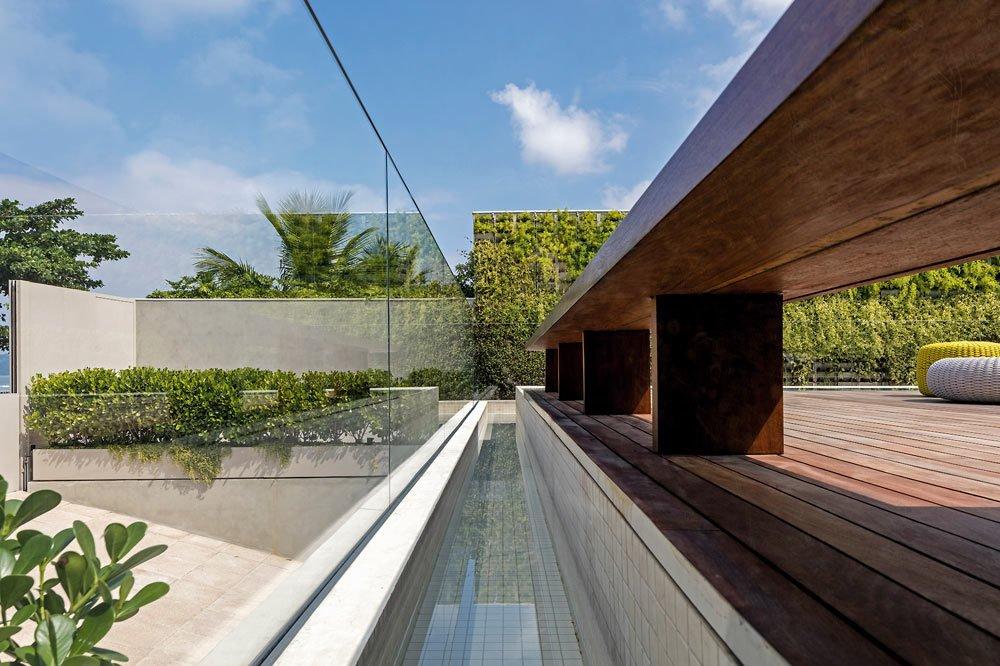 A Modern Beachfront House in São Sebastião, Brazil - Photo 11 of 14