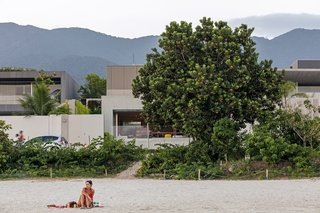 A Modern Beachfront House in São Sebastião, Brazil - Photo 14 of 14 -