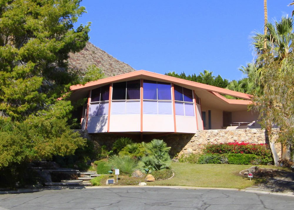 Dubbed Elvis' Honeymoon Hideaway, this 1960 house was built by developer Robert Alexander, and while several people have been called the original architect of the home, it still hasn't been resolved (it's believed to have been William Krisel). After the Alexander family were killed in a plane crash, the house was leased by Elvis, hence its name. The design consists of four circles on three different levels with lots of glass and stonework.