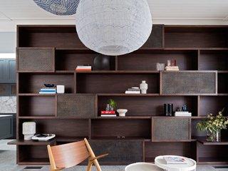 The Art of Arranging: 6 Tips on Creating Stylish Shelf Displays - Photo 6 of 6 -