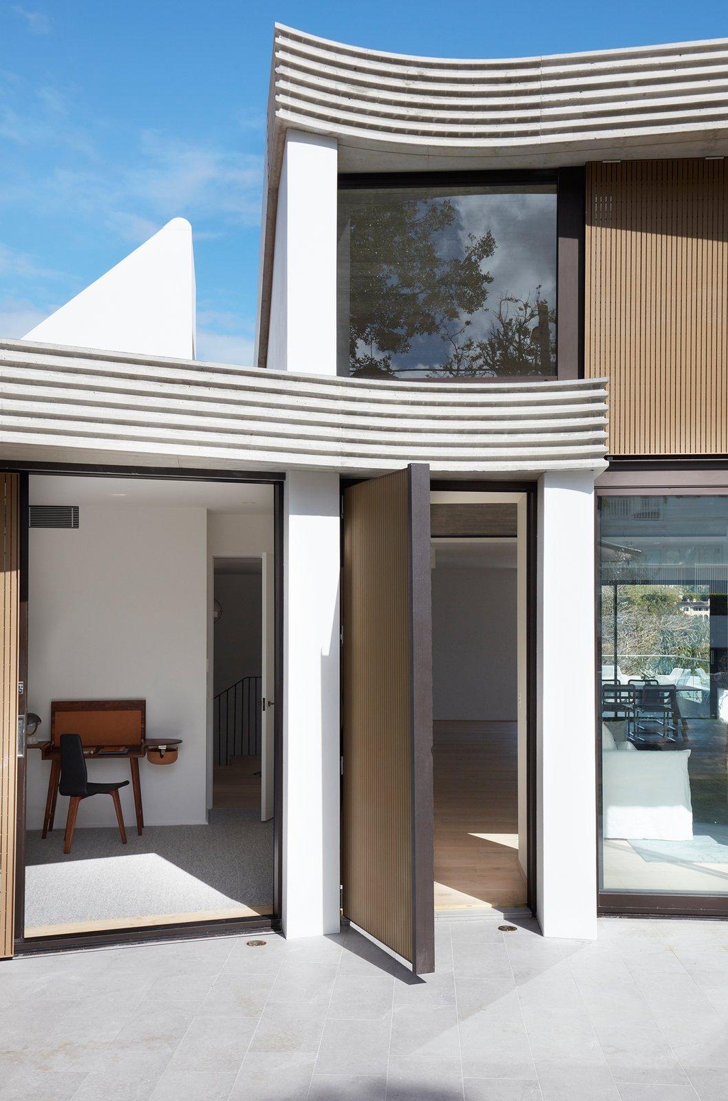 The Triplex Apartments by Luigi Rosselli Architects