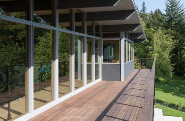 Photo 3 of Fairben Residence modern home
