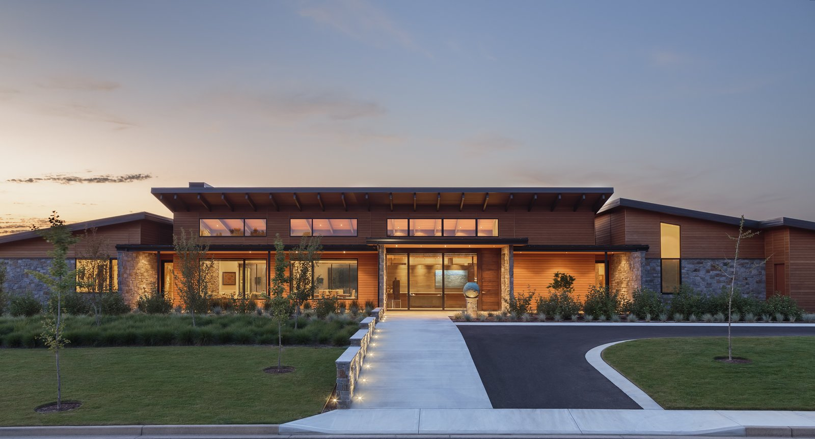 Approach  Westwind Residence by Giulietti / Schouten AIA Architects