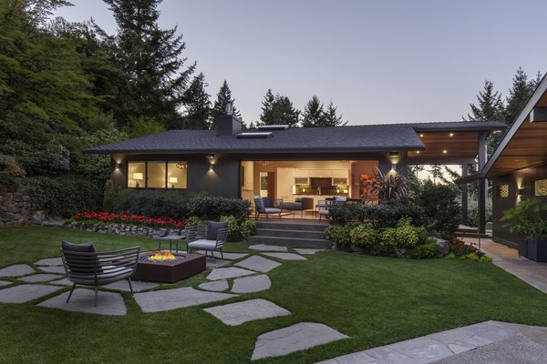 Guest House + Courtyard Photo 14 of Myrtle MidCentury modern home
