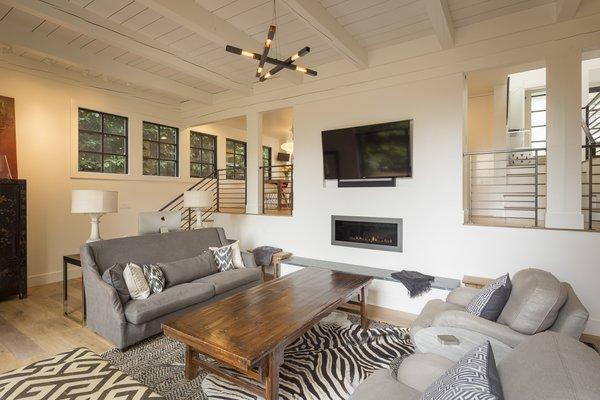 Living Photo 6 of Heiser Residence modern home