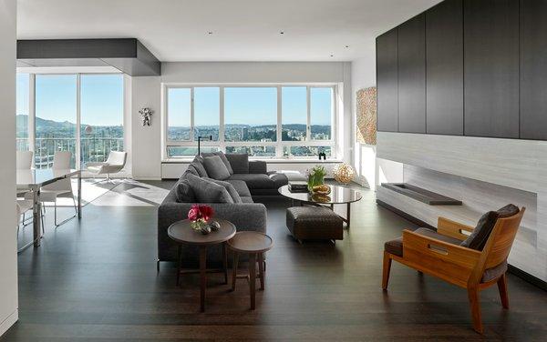 Photo 12 of Sky Gallery Residence modern home