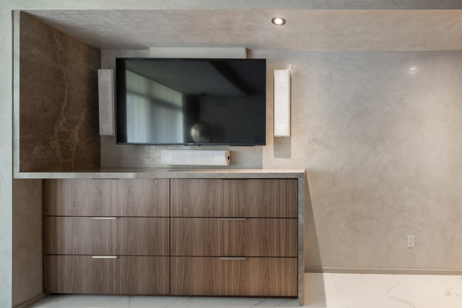 Master Suite TV Unit