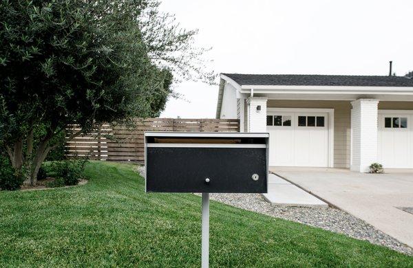 modern mailbox at front   [villa park modern addition + renovation, california]