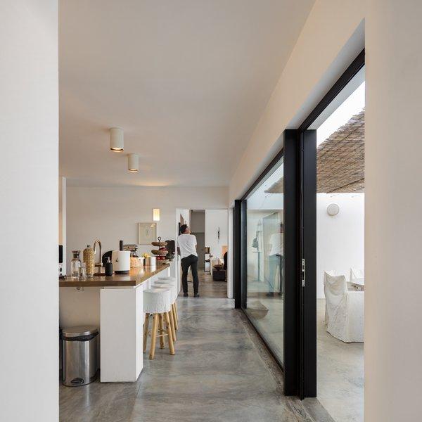 Photo 9 of Grândola Residence modern home