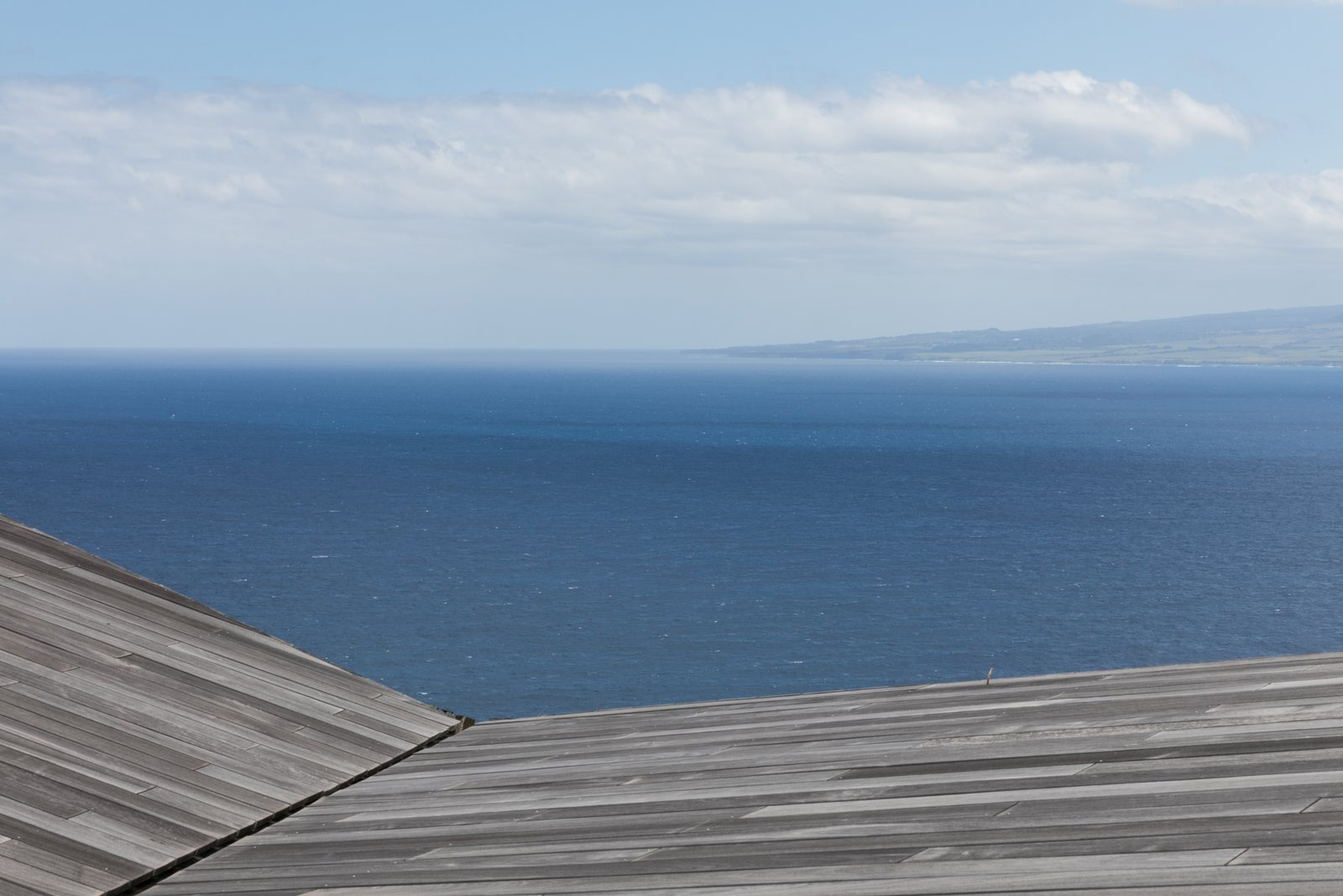 Tagged: Outdoor and Rooftop.  The Clifftop House by Modern on Maui - Liam Ball
