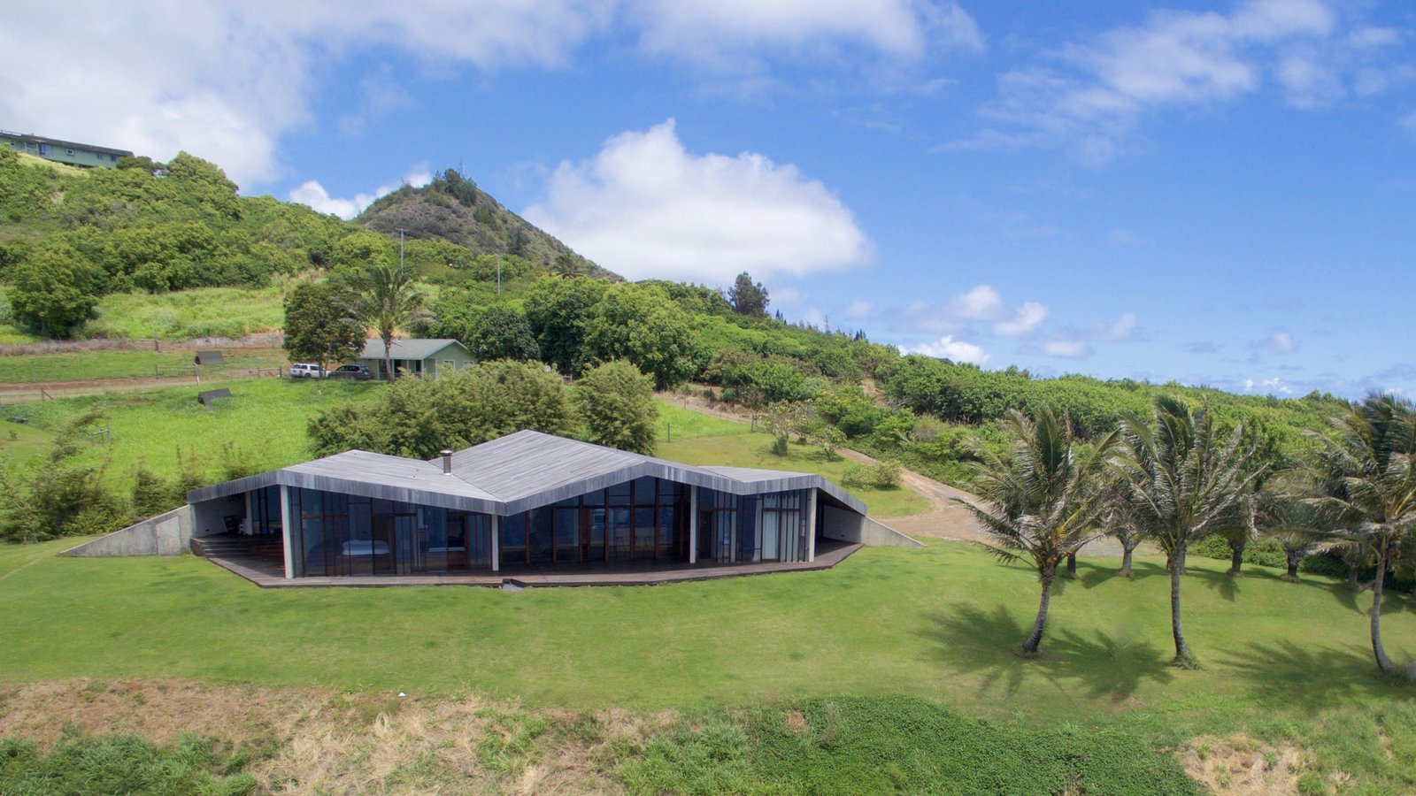 The Clifftop House by Modern on Maui - Liam Ball
