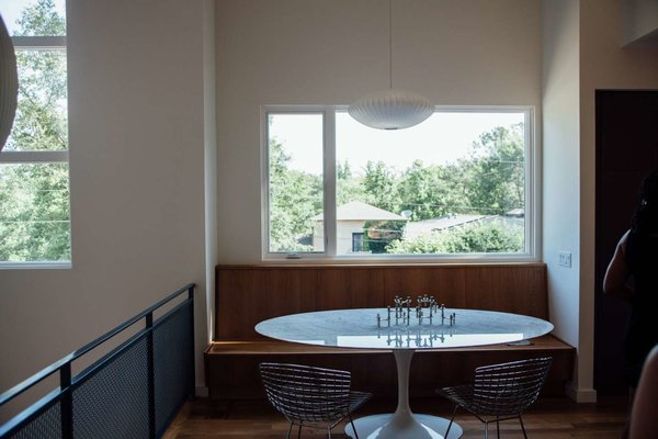 Modern home with dining room. Photo 9 of Simple Haus