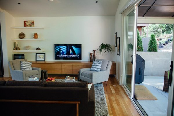 Modern home with living room. Photo 3 of Simple Haus