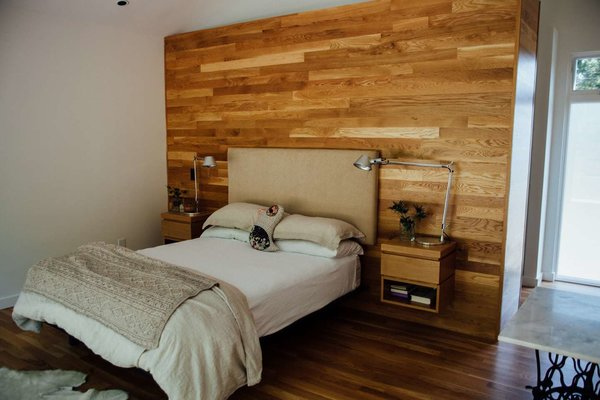 Modern home with bedroom. Photo 11 of Simple Haus