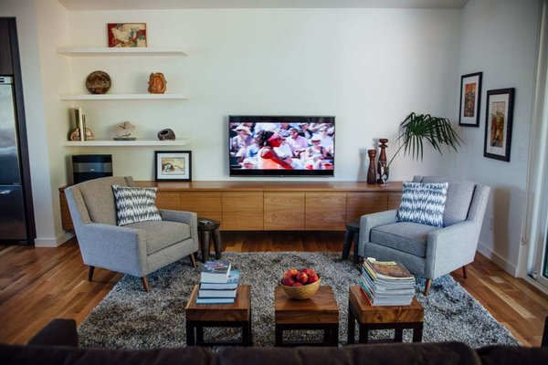 Modern home with living room. Photo 12 of Simple Haus