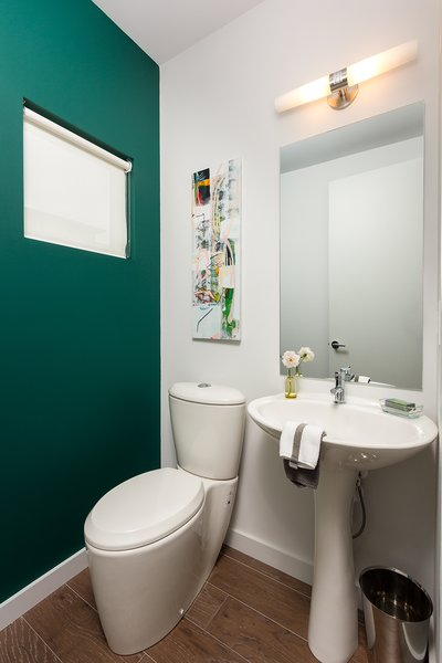 Modern home with bath room. Photo 8 of Axis Townhomes