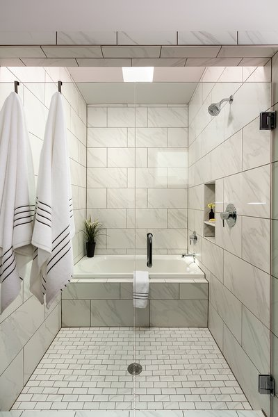 Modern home with bath room. Photo 10 of Axis Townhomes