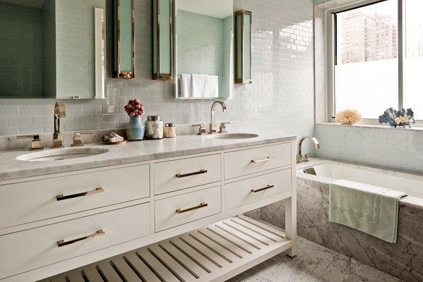 Midtown Duplex  #NewYork #interiordesign #architecture #architects  #light #apartment #contemporary #modern #nyc #usa #design #nice #inspiration #designer #interiordesigner #furniture #interior #home #house #bathroom #sconces  Photo 2 of Midtown Duplex modern home