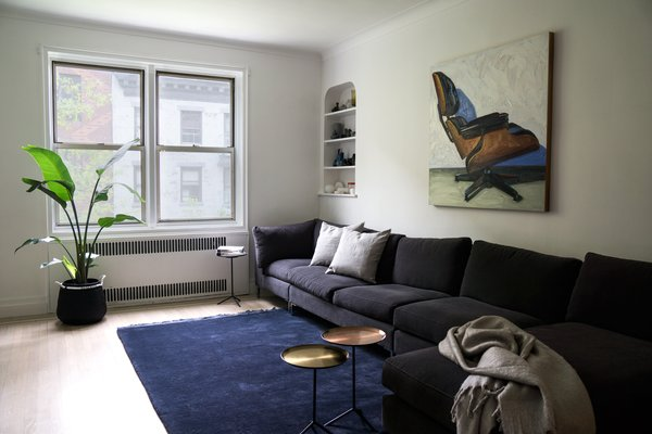 East Village Apartment   #NewYork #interiordesign #architecture #architects #livingroom #light #apartment #contemporary #modern #nyc #usa #design #nice #inspiration #designer #interiordesigner #furniture #interior  #home #house Photo 6 of East Village Apartment modern home