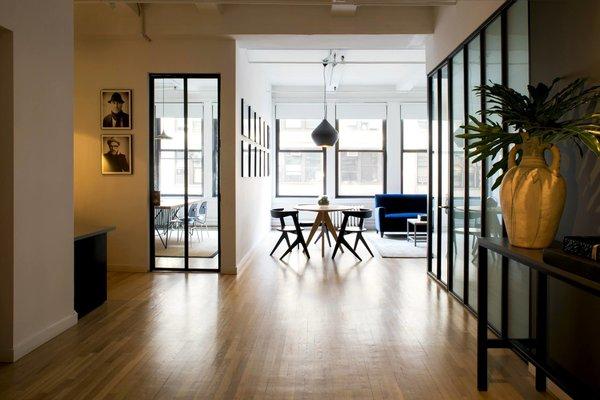 #NewYork  #interiordesign #architecture #architects #photography #light #studio #contemporary #modern #tomdixon #kitchen #nyc #usa #design #nice #inspiration #designer #interiordesigner #furniture #interior  Photo 4 of Photography Studio modern home