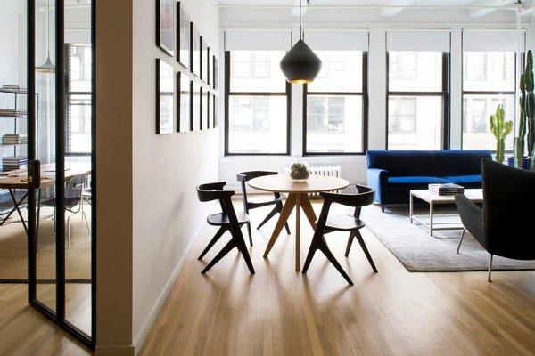 Photography Studio - New York City #NewYork  #interiordesign #architecture #architects #photography #light #studio #contemporary #modern #tomdixon #kitchen #nyc #usa #design #nice #inspiration #designer #interiordesigner #furniture #interior  Photo 3 of Photography Studio modern home