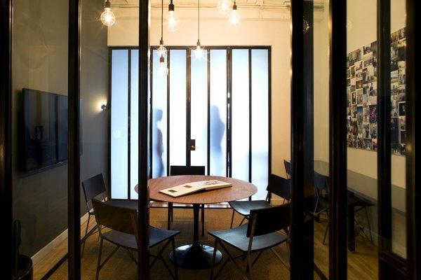 Photography Studio - New York City #NewYork  #interiordesign #architecture #architects #photography #light #studio #contemporary #modern #tomdixon #kitchen #nyc #usa #design #nice #inspiration #designer #interiordesigner #furniture #interior  Photo 2 of Photography Studio modern home