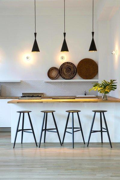 Photography Studio - New York City #NewYork  #interiordesign #architecture #architects #photography #light #studio #contemporary #modern #tomdixon #kitchen #nyc #usa #design #nice #inspiration #designer #interiordesigner #furniture #interior  Photo 6 of Photography Studio modern home