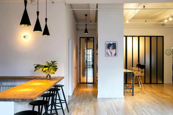 Photography Studio - New York City #NewYork  #interiordesign #architecture #architects #photography #light #studio #contemporary #modern #tomdixon #kitchen #nyc #usa #design #nice #inspiration #designer #interiordesigner #furniture #interior  Photo  of Photography Studio modern home
